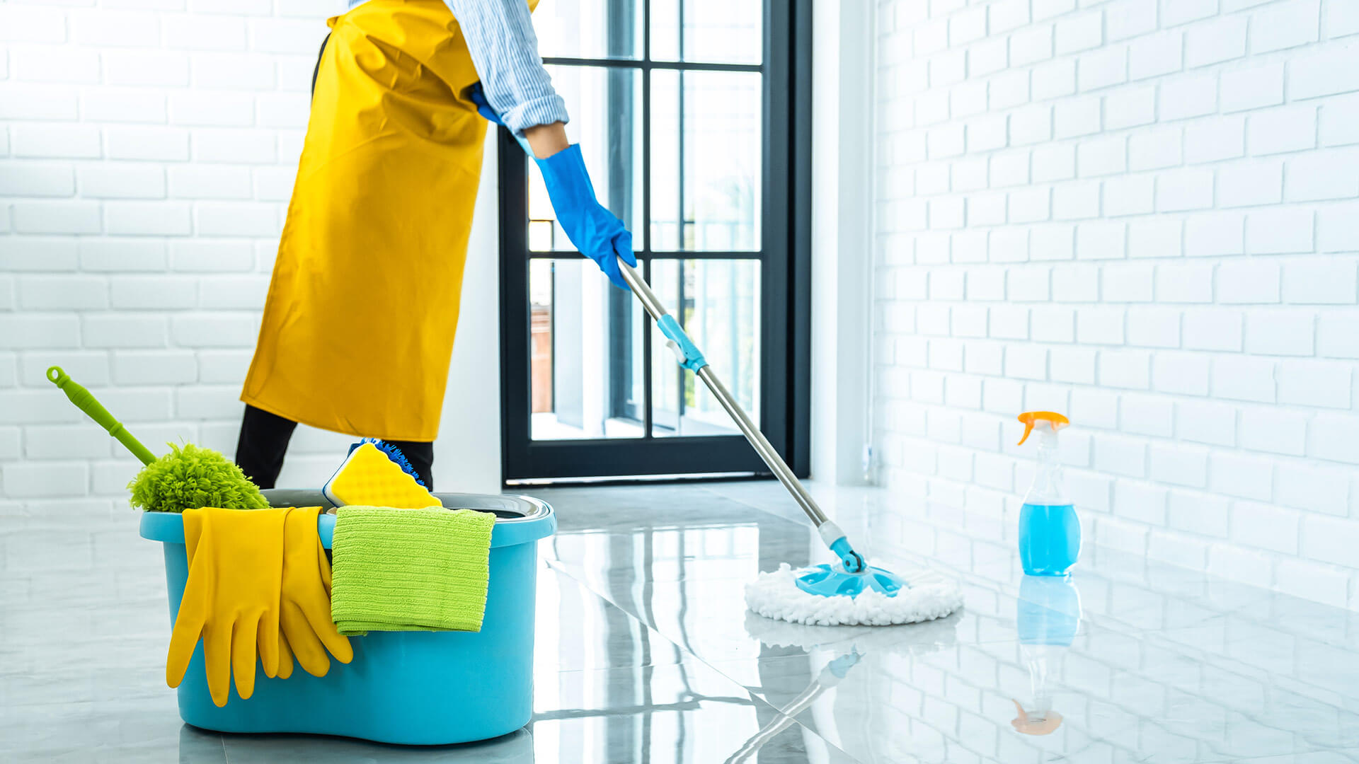 What kind of maintenance does the Cleaning company (societe de nettoyage) offer?