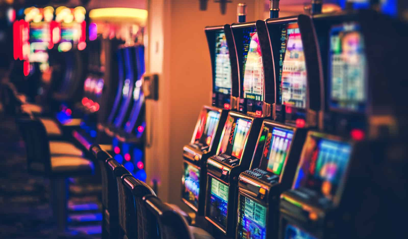 Strategy for On the internet Blackjack -- Reducing the Internet casino Benefit